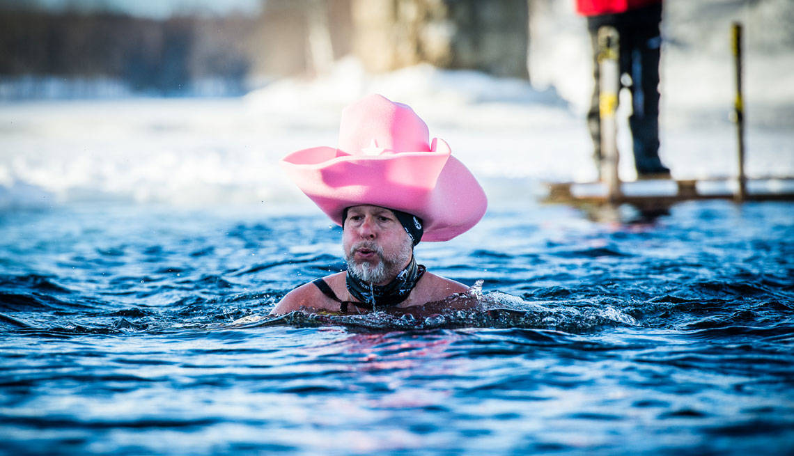 the benefits of winter swimming Cold water swimming and cold water bathing health benefits by ralph teller:  5 health benefits of cold water swimming, tim moss, the next challenge.
